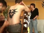 VHS - la série - making of - maquillage tattoo
